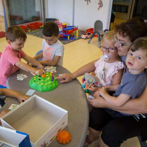 Actualité sociale l'Aide Familiale à la Petite Enfance